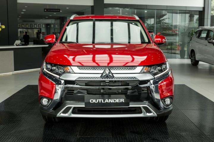 Triệu hồi hơn 5 000 ô tô Mitsubishi Outlander do lỗi hệ thống bơm xăng