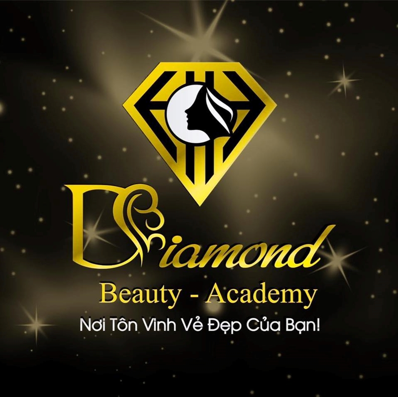 Chưa được cấp phép Diamond Beauty 22 291 Khương Trung vẫn ngang nhiên thực hiện thủ thật xâm lấn cho khách