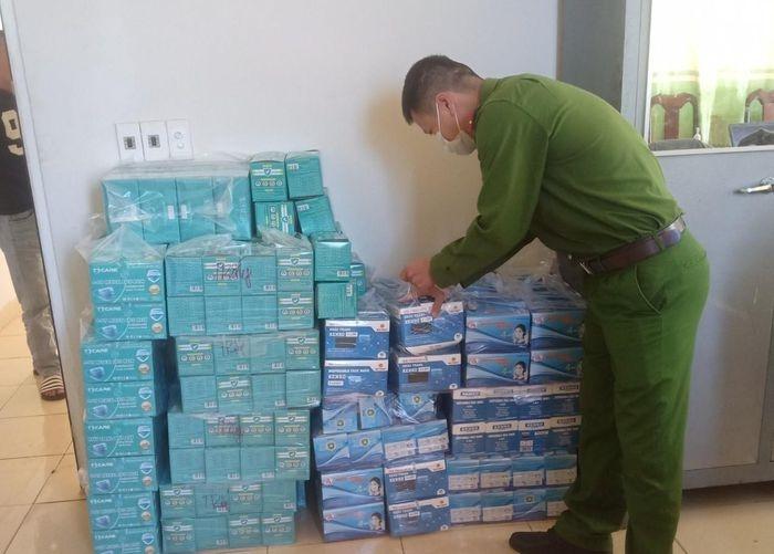 Đắk Lắk Thu giữ hơn 10 300 khẩu trang y tế không rõ nguồn gốc