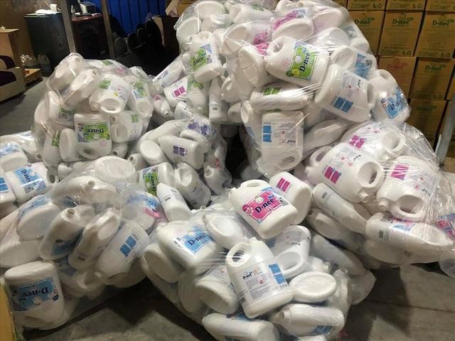 Choáng với cơ sở làm nước giặt rởm ở Hà Nội Sang tận Thái Lan để học công thức