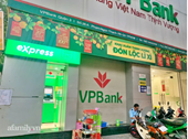 Người đàn ông ở TP HCM bị nuốt gần 70 triệu đồng khi nạp tiền vào cây CDM của VPBank, bức xúc tố ngân hàng giải quyết thiếu trách nhiệm