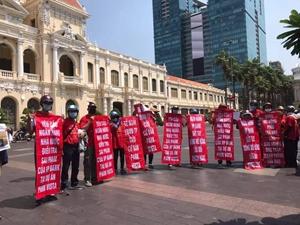 Đông Mê Kông nhiều lần thất hẹn, khách mua dự án Park Vista tiếp tục căng băng rôn phản đối