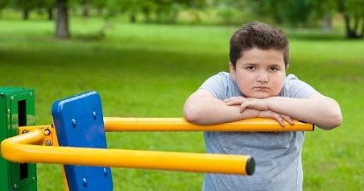 Trẻ thừa cân béo phì, cha mẹ cần làm gì