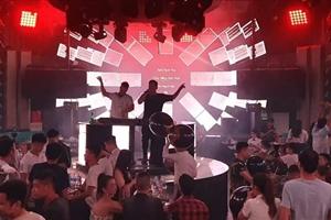 Trước nguy cơ cao lây lan dịch covid-19, Bộ Y tế đề nghị đóng cửa quán bar, karaoke trên cả nước