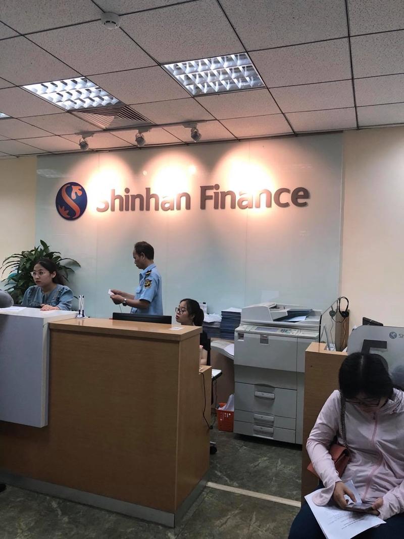 """Công ty tài chính Shinhan Finance Bị tố """"cưỡng đoạt tài sản, xúc phạm uy tín nhân phẩm khách hàng"""""""