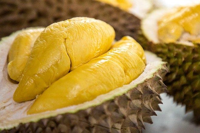 Mách bạn cách chọn sầu riêng bao ngon, không bị sượng