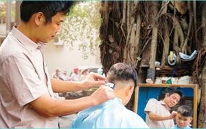 Từ 1 8, dịch vụ massage, karaoke, giặt là, cắt tóc,  chịu thuế 7  Khách hàng liệu có mất thêm tiền