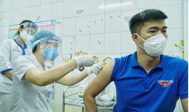 Những trường hợp nào đủ, không đủ điều kiện tiêm vắc xin COVID-19