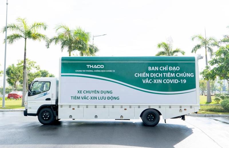 Mục sở thị vận chuyển vaccine và tiêm chủng lưu động của THACO