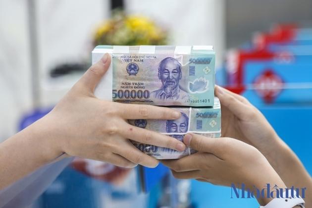Bóng Techcombank tại Mua bán Nợ Hoà Bình