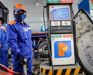 Giá xăng tăng sốc, lên mức cao nhất trong 7 năm qua